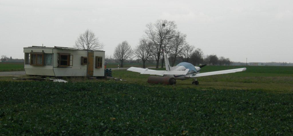 Wohnwagen Flugzeug f Homepage